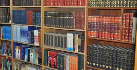 ضرورت داشتن کتابخانهای شخصی