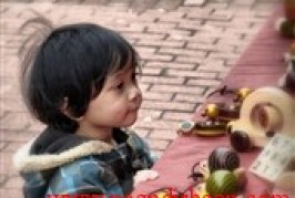25 رفتار مودبانهای که باید به کودکتان بیاموزید