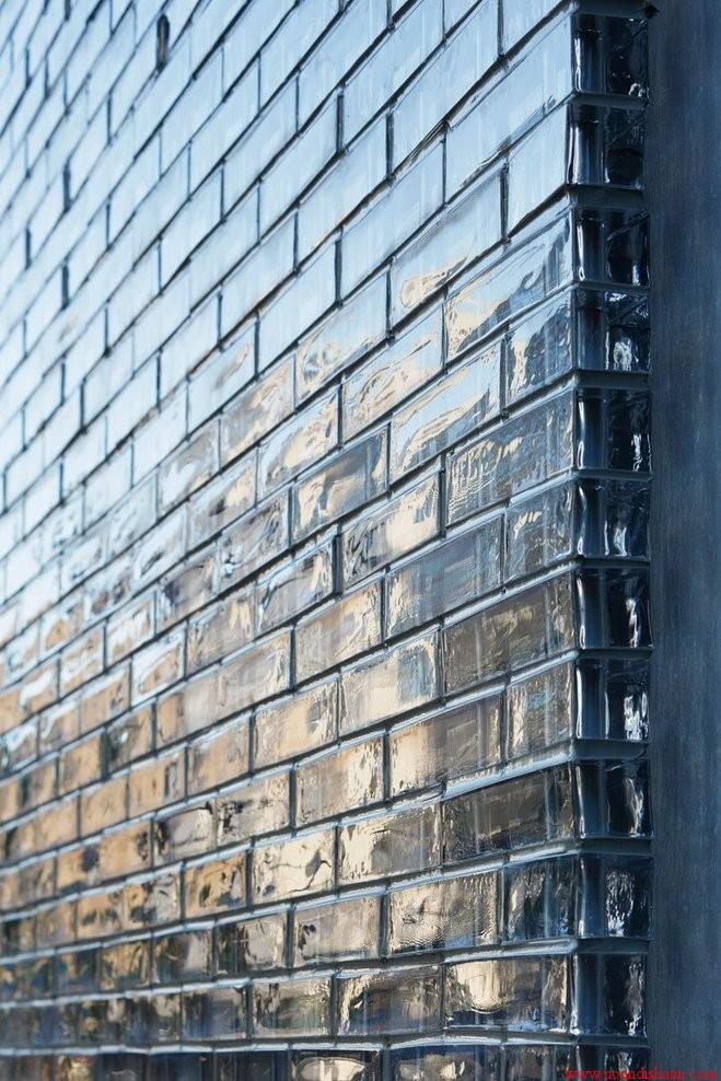 خانه ای در ژاپن با بلوک شیشه ای