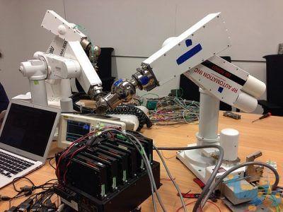 ربات های صنعتی غیر موبایل